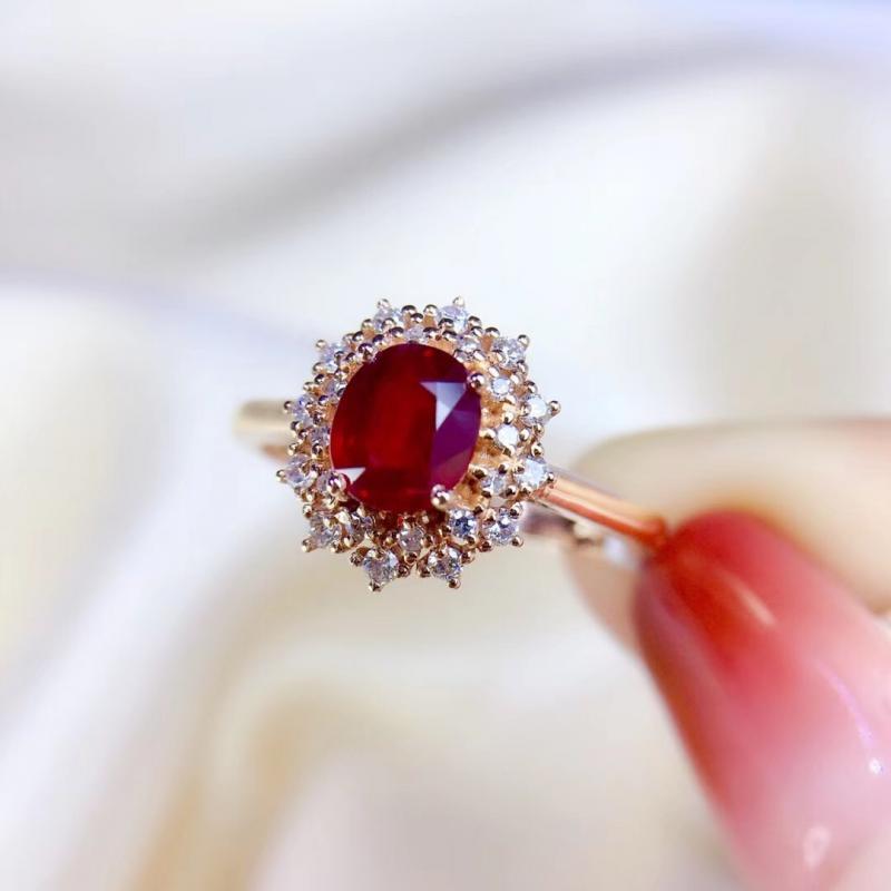天然鸽血红红宝石戒指,主石0.95ct,18K金