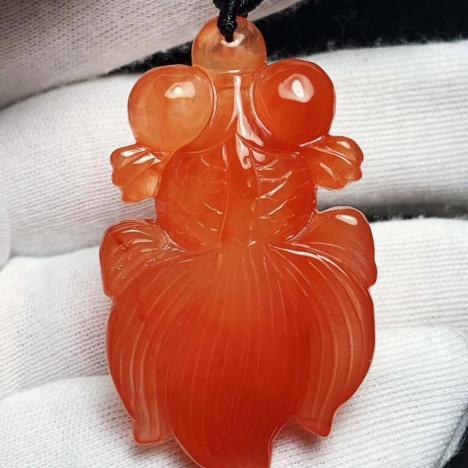 天然红水晶年年有余吊坠,珍品红兔毛晶,21克图片
