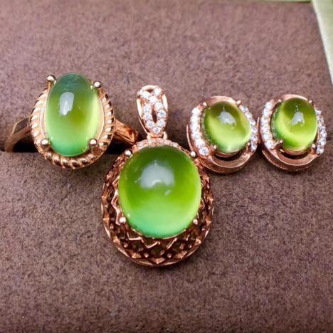 天然葡萄石套装,925银精工镶嵌,经典款,水润绿莹莹图片