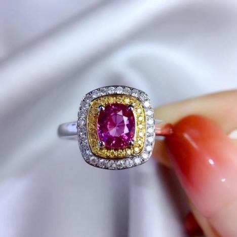 精品天然无烧蓝宝石戒指,1.1ct,18K金钻石镶嵌
