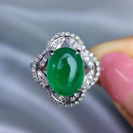 天然祖母绿戒指,主石2.78ct,18K金伴钻镶嵌