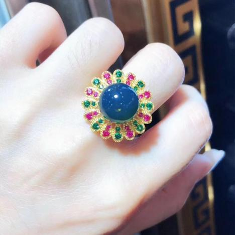 天然墨西哥蓝珀925银镶嵌戒指,红绿宝石闪耀点缀
