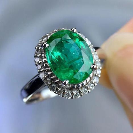 天然祖母绿宝石戒指,1.73ct,18K金钻石镶嵌,大气精致,性价比高图片