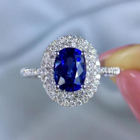 天然皇家蓝宝石戒指,主石1.62ct,18K金伴钻镶嵌,附证书