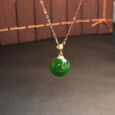 精致和田碧玉转运珠吊坠,菠菜绿,18K金一套,超高性价比图片