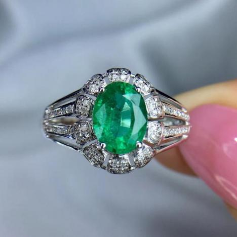 天然祖母绿戒指,主石1.19ct,18K金,性价比高