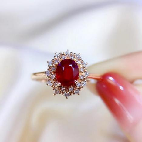 天然鸽血红红宝石戒指,主石0.95ct,18K金图片