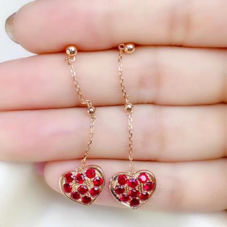心心相印红宝石耳钉,主石1.17ct,18K金镶嵌图片