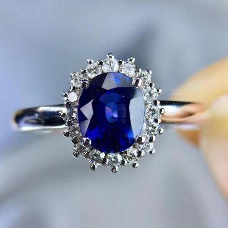 超高性价比蓝宝石戒指,主石0.84ct,18K金镶嵌