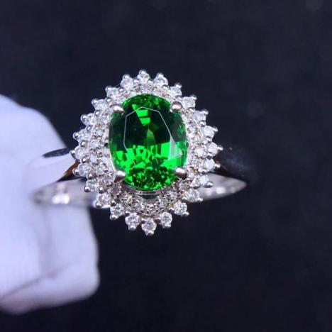 18K金天然沙弗莱戒指,火彩超赞,1.51ct图片