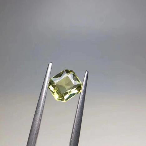 天然金绿宝石裸石,主石1.69克拉图片