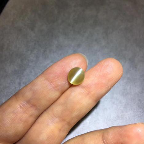 无烧金绿猫眼宝石裸石,2.64克拉图片