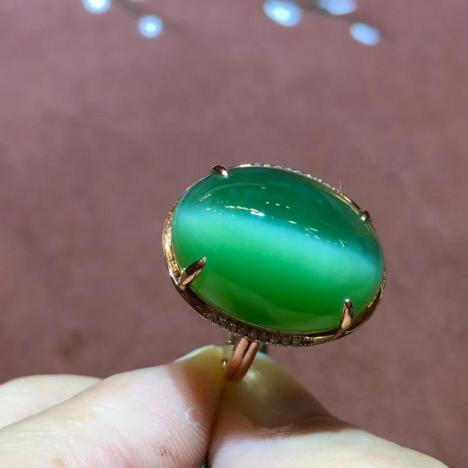 大尺寸天然和田碧玉猫眼戒指,18K金镶嵌,一线天