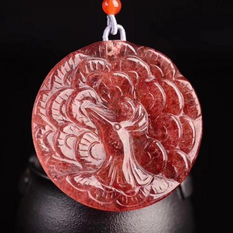 天然草莓晶孔雀吊坠 毛衣链两用款,八方来财图片
