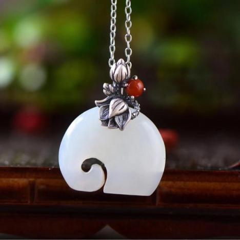 天然和田玉吉祥小象吊坠 925银镶嵌图片