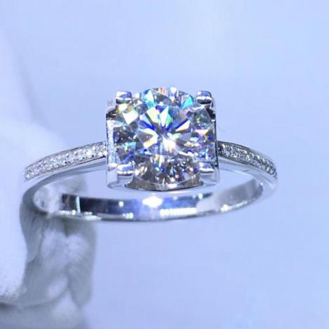 精美18K金莫桑钻戒指,裸石1ct,做工精美图片