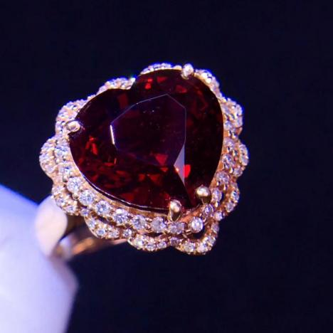 天然尖晶石戒指吊坠两用款,5.6克拉,18K金镶嵌图片