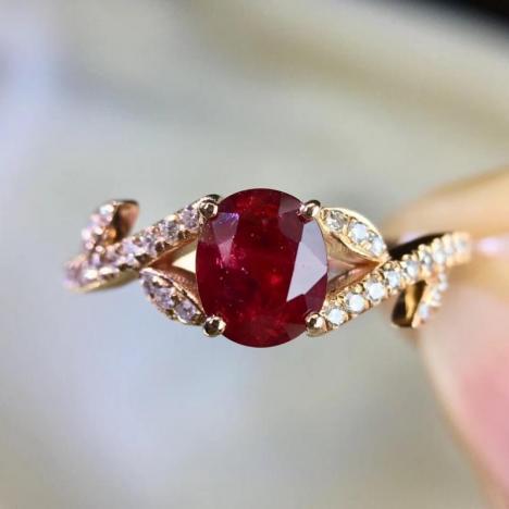 轻奢款女士红宝石戒指,1.26克拉鸽血红