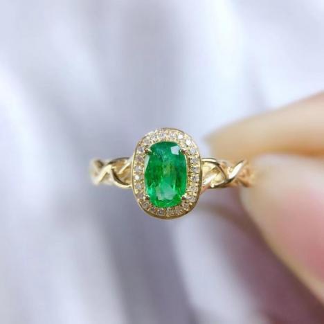 精致女士祖母绿戒指,0.5克拉,收藏级宝石图片