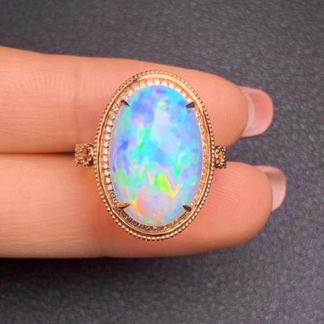天然18K金镶嵌欧泊戒指,6.67ct,火彩华丽,炫彩欧珀图片