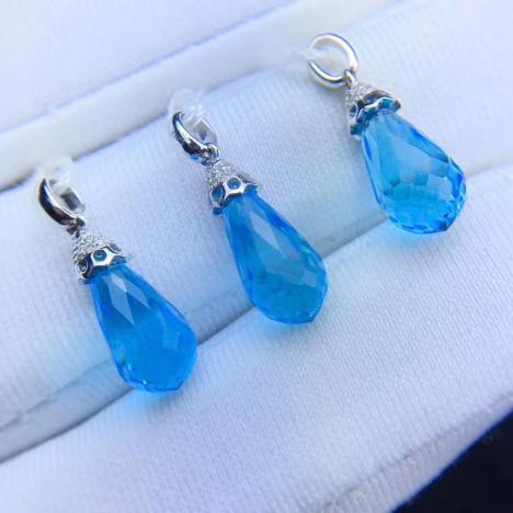 时尚简约托帕石吊坠,主石3.7克拉,浅蓝色水滴图片