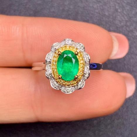 精致女士祖母绿戒指,约1克拉,收藏级宝石图片