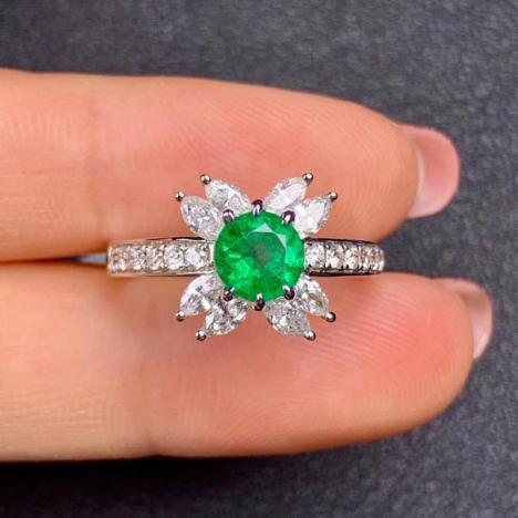 独特设计,天然祖母绿戒指,0.8克拉,明亮干净图片