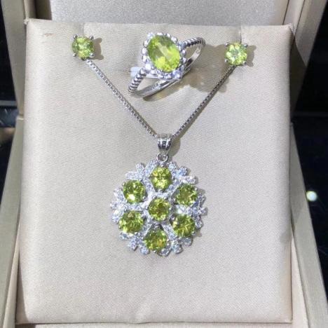 天然小清新,橄榄石925银镶嵌套装,高性价比图片