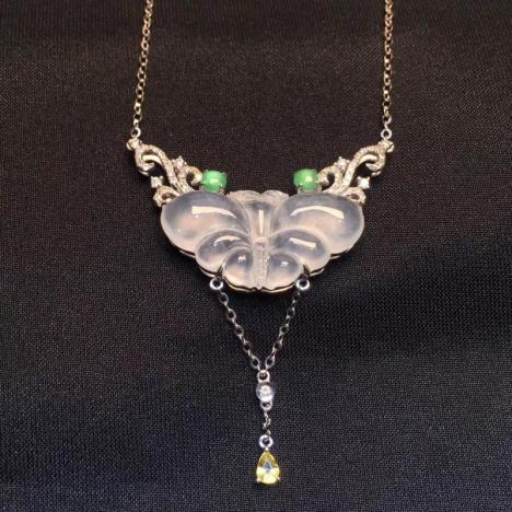 天然A货翡翠项链,高冰种翡翠蝴蝶项链,18K金图片