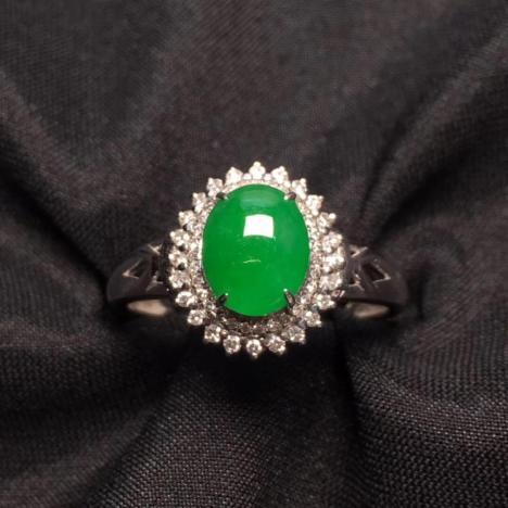 天然A货翡翠戒指,冰种阳绿蛋面戒指,18K金图片