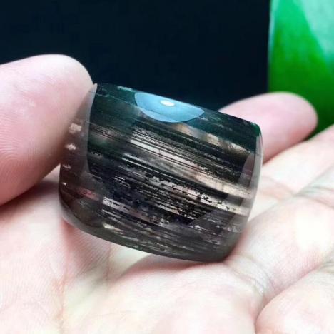 天然巴西绿幽灵扳指,金沙千层,内径22图片
