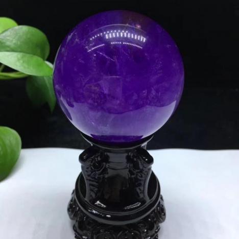 天然紫水晶球,颜色漂亮,晶体通透,6.2厘米图片