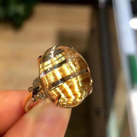 天然发晶猫眼戒指,18K金镶嵌钛晶戒指