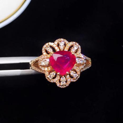 天然无烧红宝石戒指,1.2克拉,款式精致