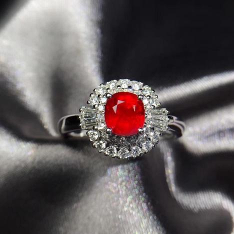 无烧鸽血红宝石戒指,1.02克拉,精致大气