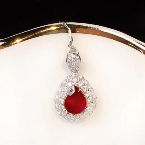 无烧红宝石吊坠,1.05克拉,豪华镶嵌