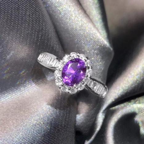 无烧紫蓝宝石戒指,1克拉,火彩好