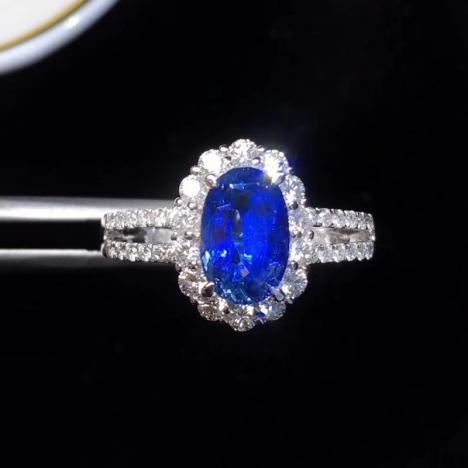 无烧蓝宝石戒指,主石1.98克拉,火彩极好