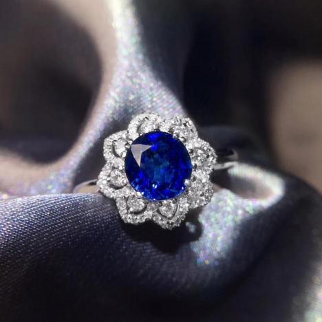 蓝宝石戒指,主石1.89克拉,皇家蓝宝石图片