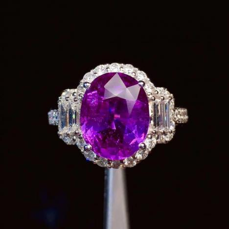 无烧紫蓝宝石戒指,4克拉,高净度
