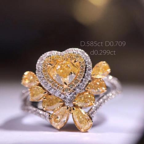 天然彩色钻石黄钻戒指,主石1.2克拉 心形黄钻图片