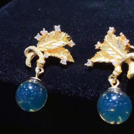 天然墨西哥蓝珀耳钉,925纯银镶嵌,设计独特图片
