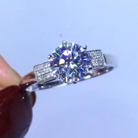 莫桑钻戒指,18K金镶嵌,裸石1ct图片