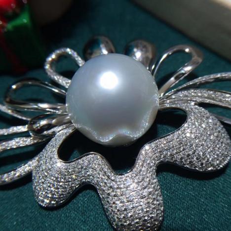 天然澳白海水珍珠吊坠,18K金镶嵌,正圆图片