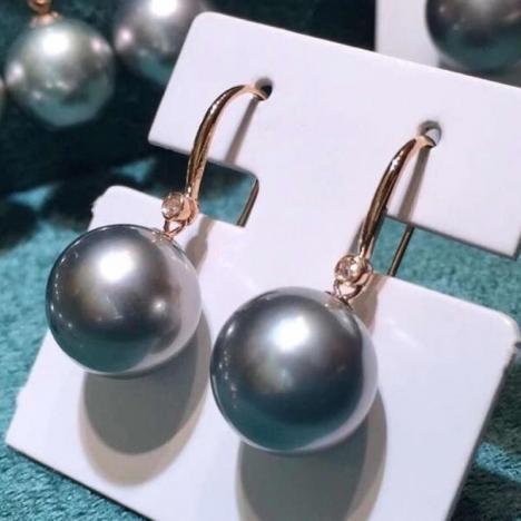 天然大溪地灰珍珠耳环,18K金镶嵌图片