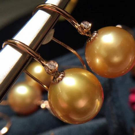 18k天然南洋金珍珠耳环,正圆浓金图片