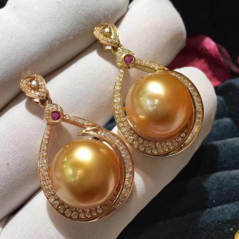 18K金镶嵌南洋海水金珍珠吊坠,浓金正圆图片