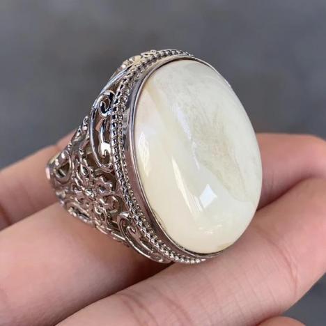 原矿白蜜蜡男款戒指,纯银镶嵌,骨瓷白图片