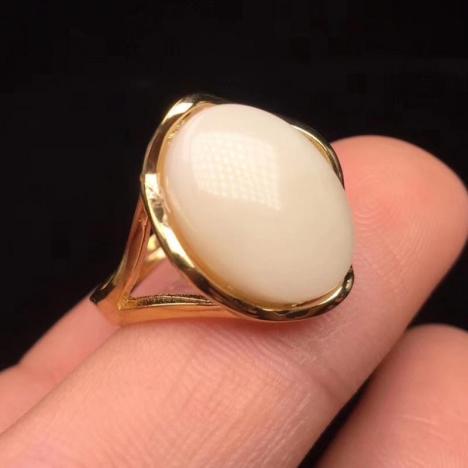 原矿白蜜蜡女款戒指,纯银镶嵌,骨瓷白图片