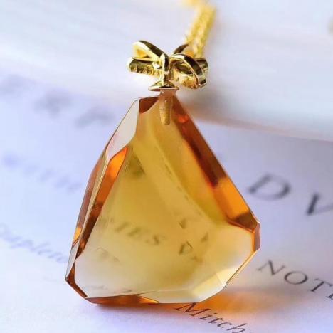 天然巴西黄水晶随形吊坠,招财旺运气